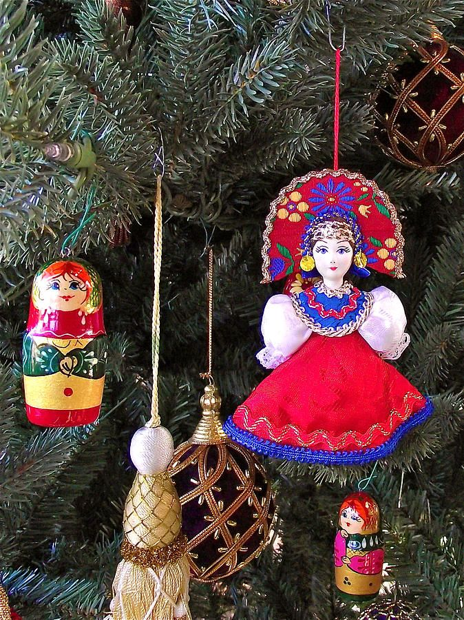 christmas tree decorations from russia in fredrick meijer gardensi