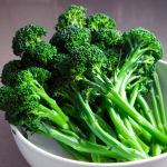The good: Broccoli is very low in Saturated Fat and Cholesterol. It is also a good source of Protein, Vitamin E (Alpha Tocopherol), Thiamin, Riboflavin, Pantothenic Acid, Calcium, Iron, Magnesium, Phosphorus and Selenium, and a very good source of Dietary Fiber, Vitamin A, Vitamin C, Vitamin K, Vitamin B6, Folate, Potassium and Manganese.