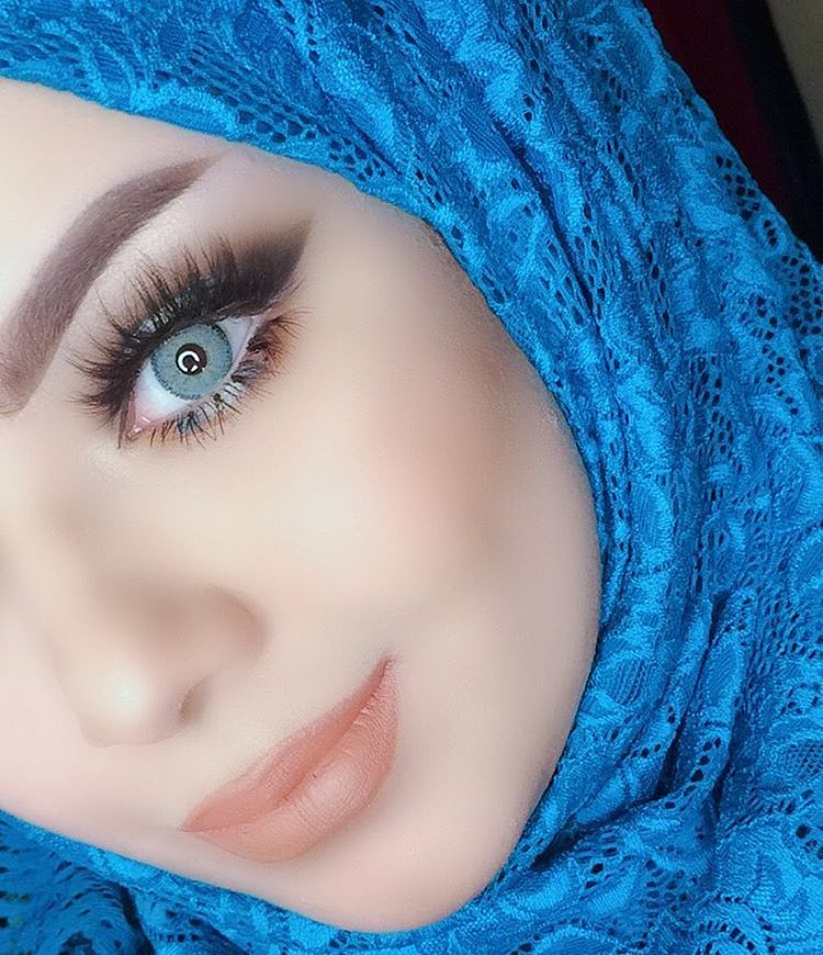 "عـُلا المـُوسوي | 🦄🦂 on Instagram: ""💙💎لا شي يعود كالسابق،كٌن حذر قبّل  ان تكسِر شيئاً جميلاً. 🕊 . Lenses / sosoim … | Beauty eyes, Beautiful eyes,  Stylish girl"