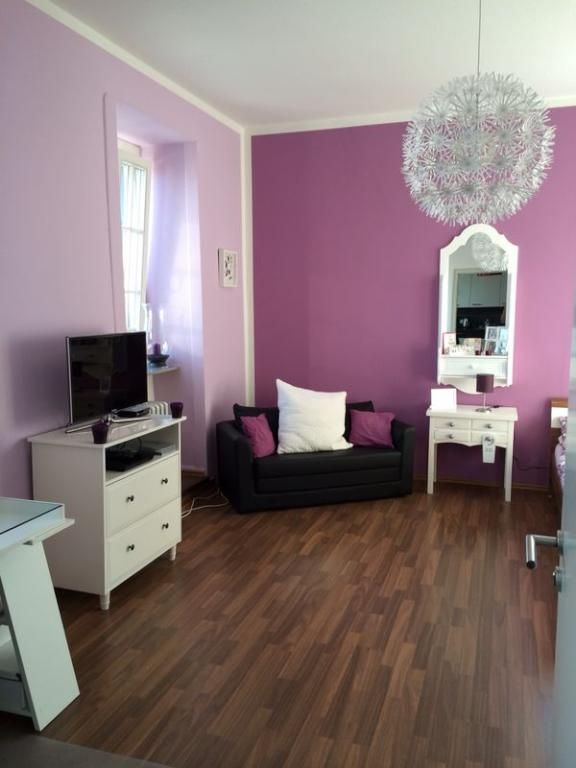 sch nes gro es zimmer in rosa lila wg in trier k renz apartment pinterest kinderzimmer. Black Bedroom Furniture Sets. Home Design Ideas