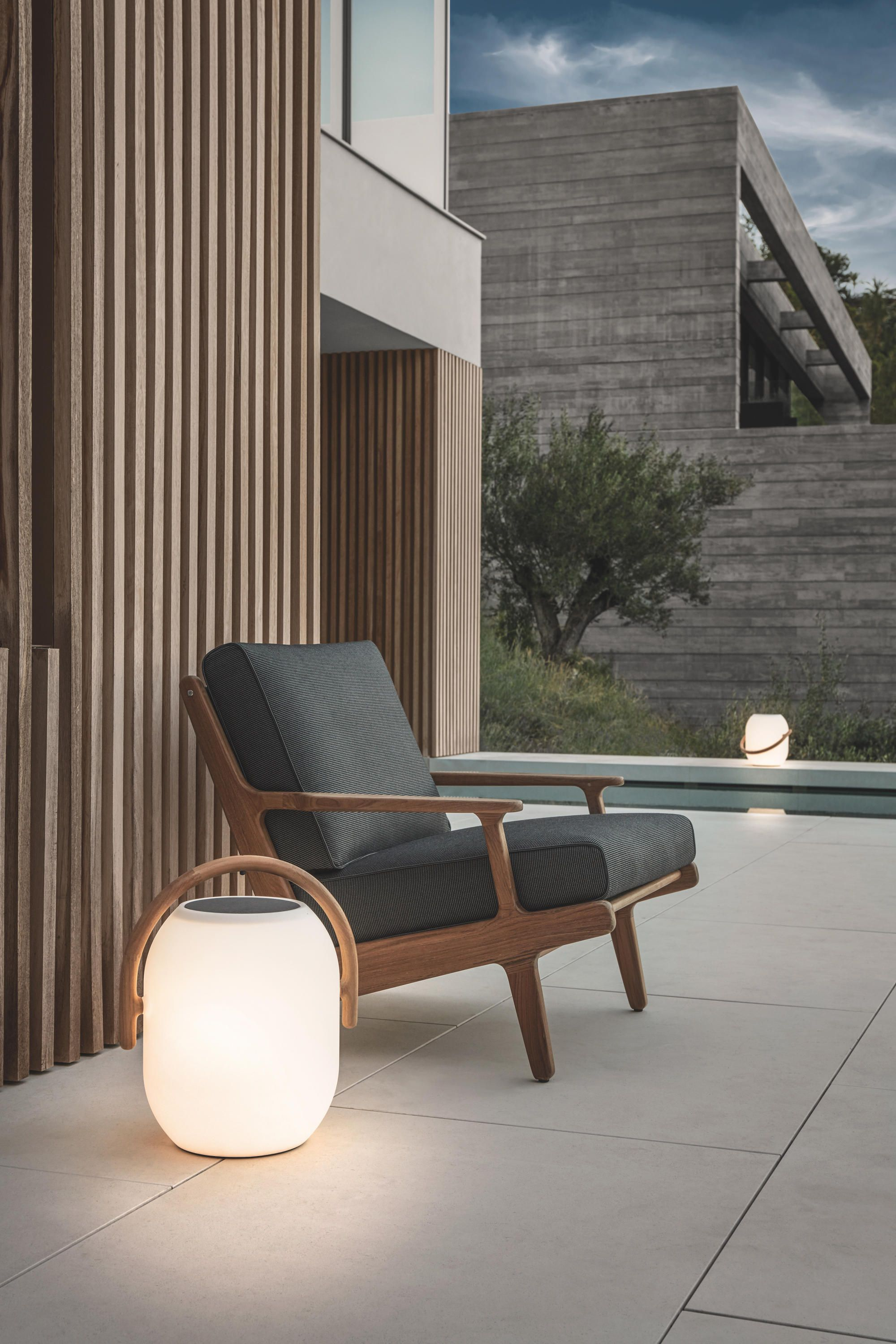 Mobilier Exterieur Gloster All About Bay Reclining Chair By Gloster Furniture On Architonic