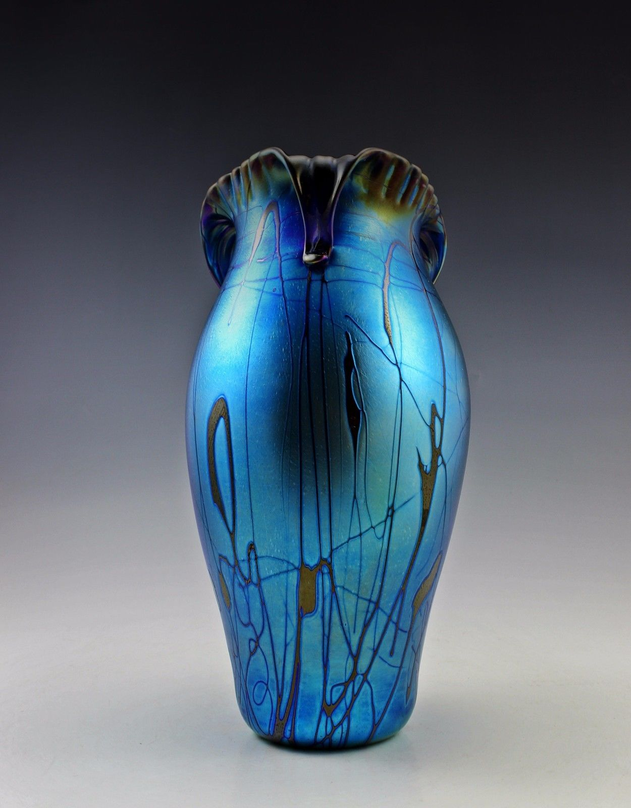 Antiques Glamorous Bohemian Art Nouveau Jugendstil Iridescent Large Glass Vase