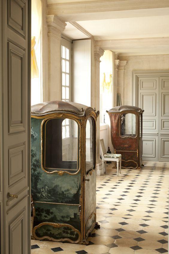 sedan chairs from Château du Champ de Bataille furniture Pinterest