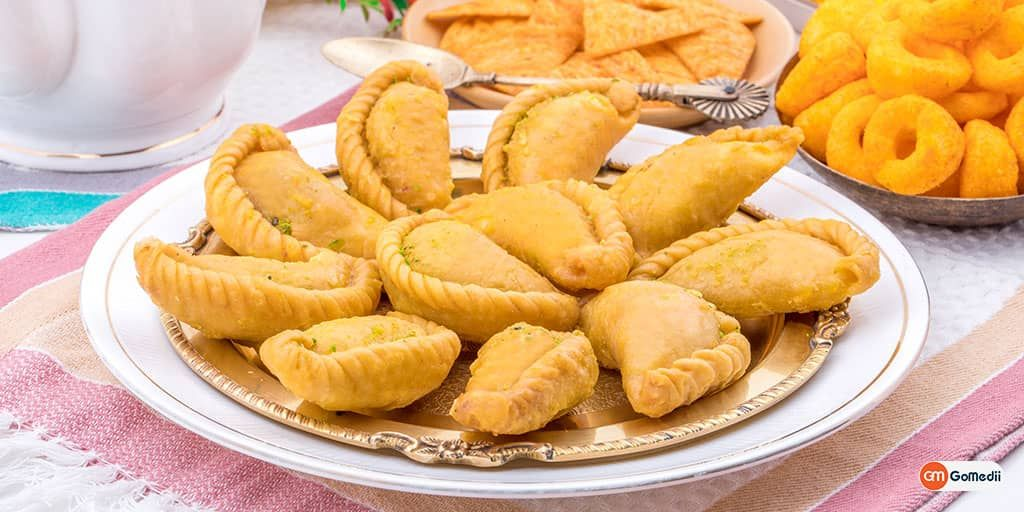 mouth watering food meaning in hindi