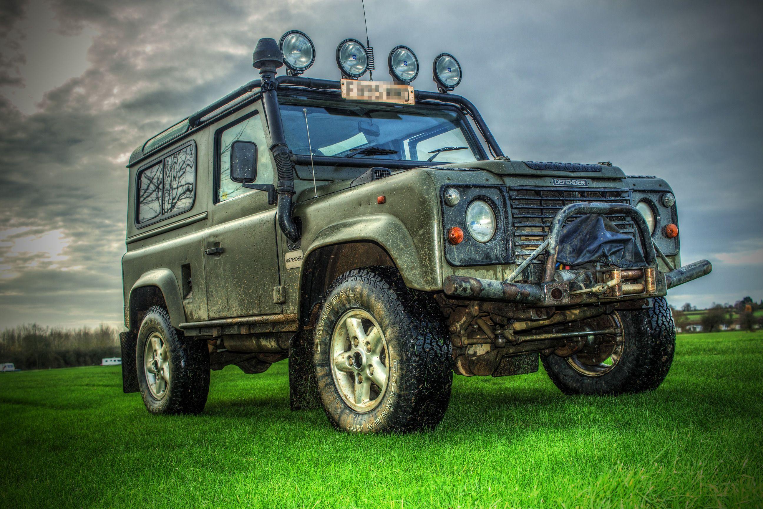 Land Rover Defender 90  Nato Green  | Land Rovers | Land