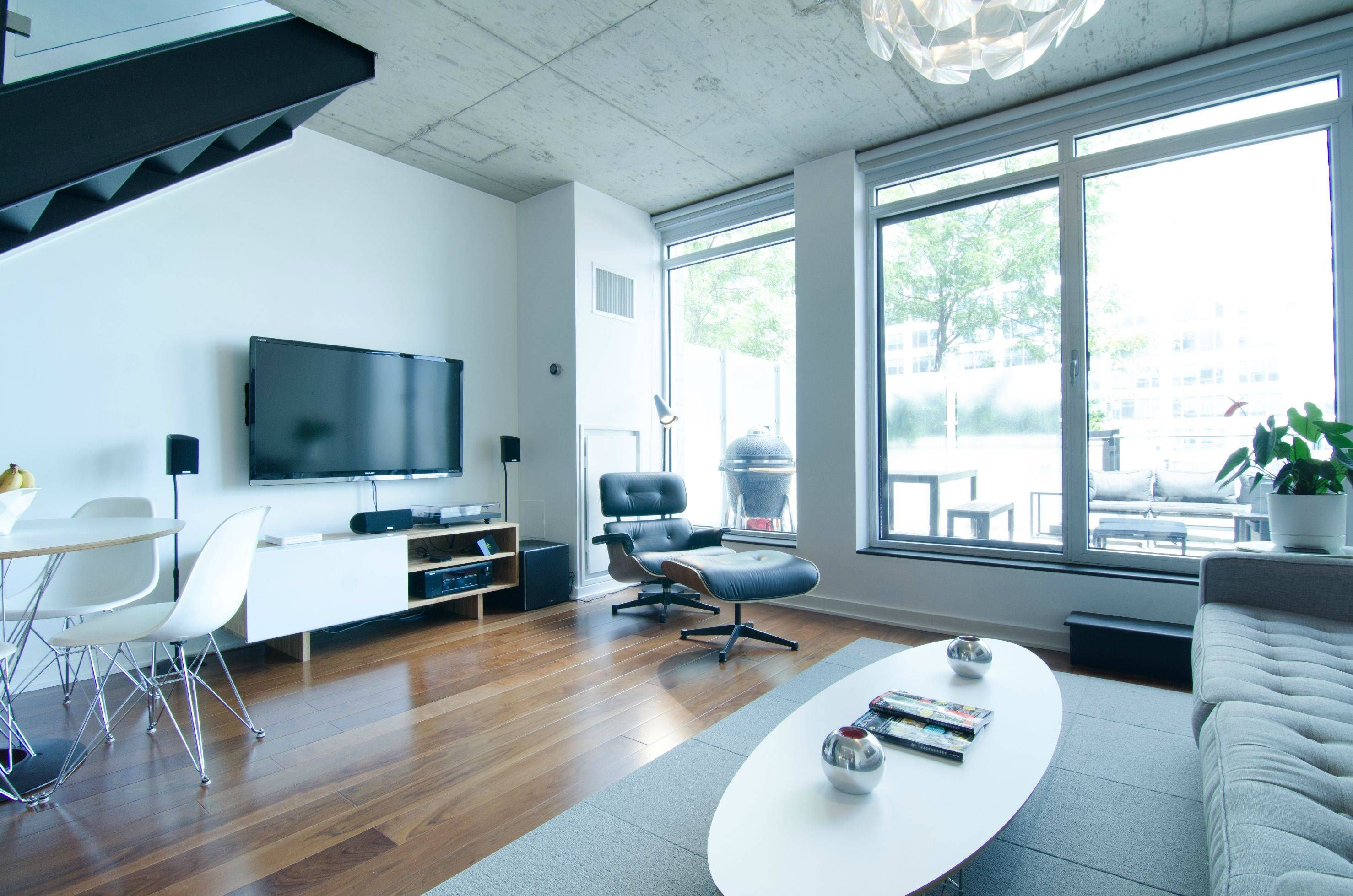 Contemporary Luxury White Apartment Interior Design With Modern Furniture Decorating Ideas Captivating As A Convenient Unit Entertainment Center