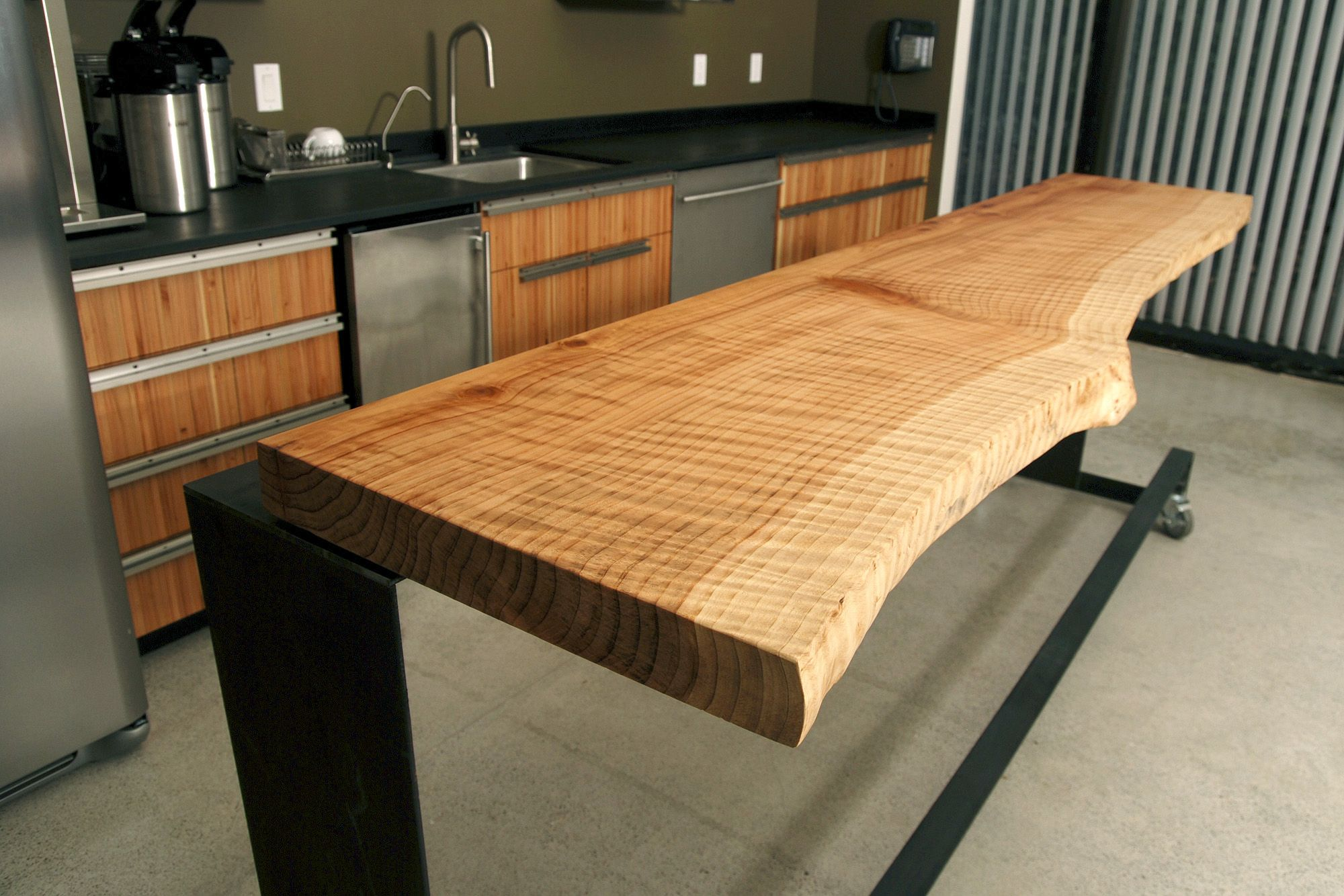best windfall lumber bar top live edge maple with meubles dupont collin. Black Bedroom Furniture Sets. Home Design Ideas