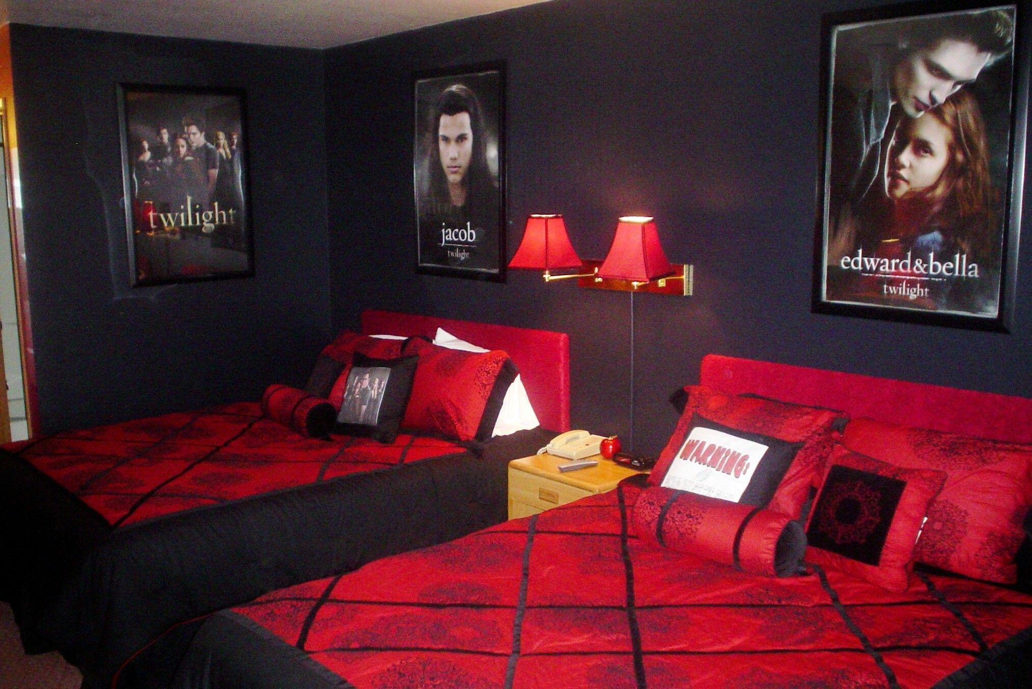 The Twilight Room At Pacific Inn Motel In Forks Washington No Way Ashley Would Have Ed If She Saw This