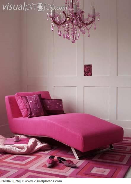 pink day bed | pink upholstered daybed in living room | Emme\'s room ...