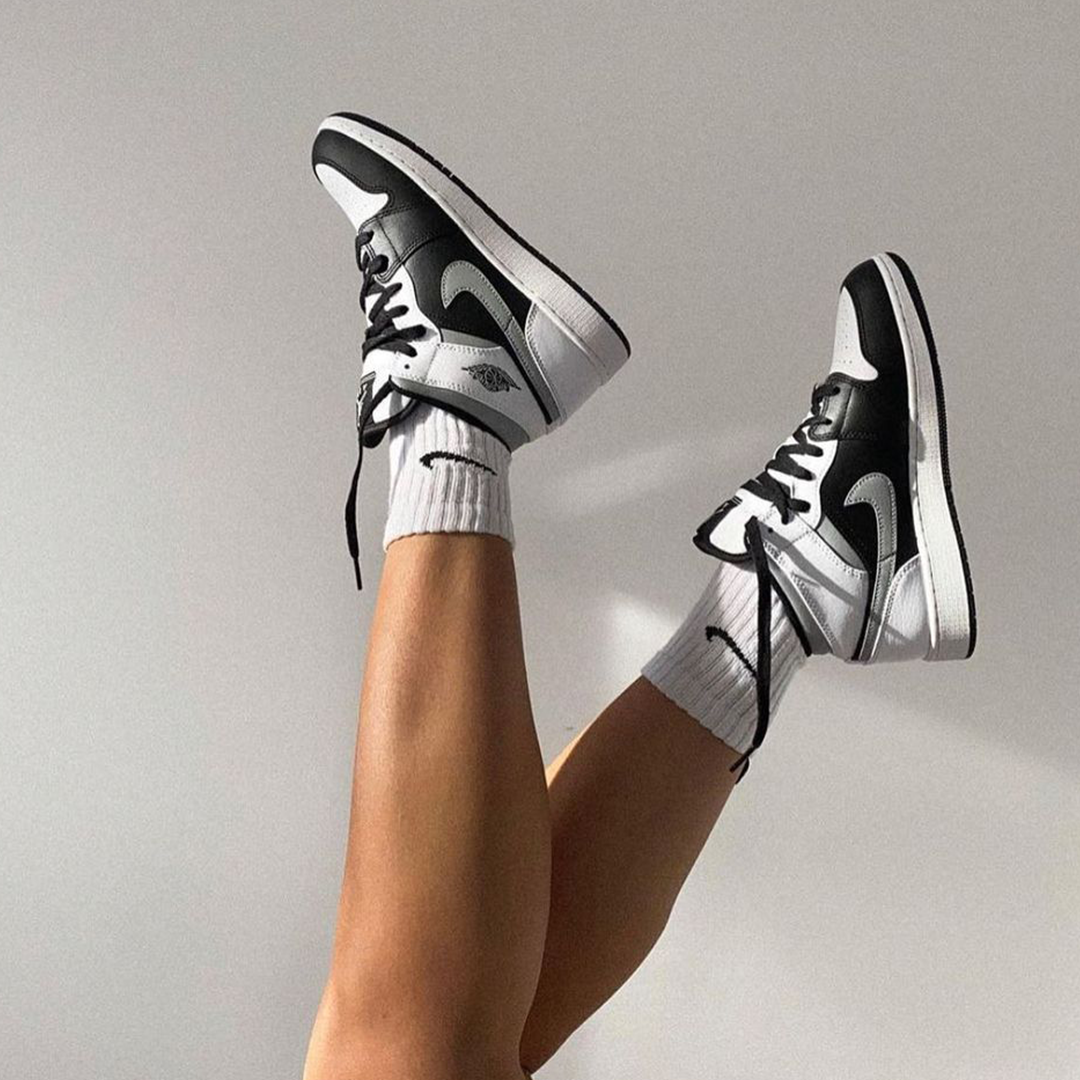 Air Jordan 1 Mid GS 'White Shadow' | Pluggi | Chaussure swag ...