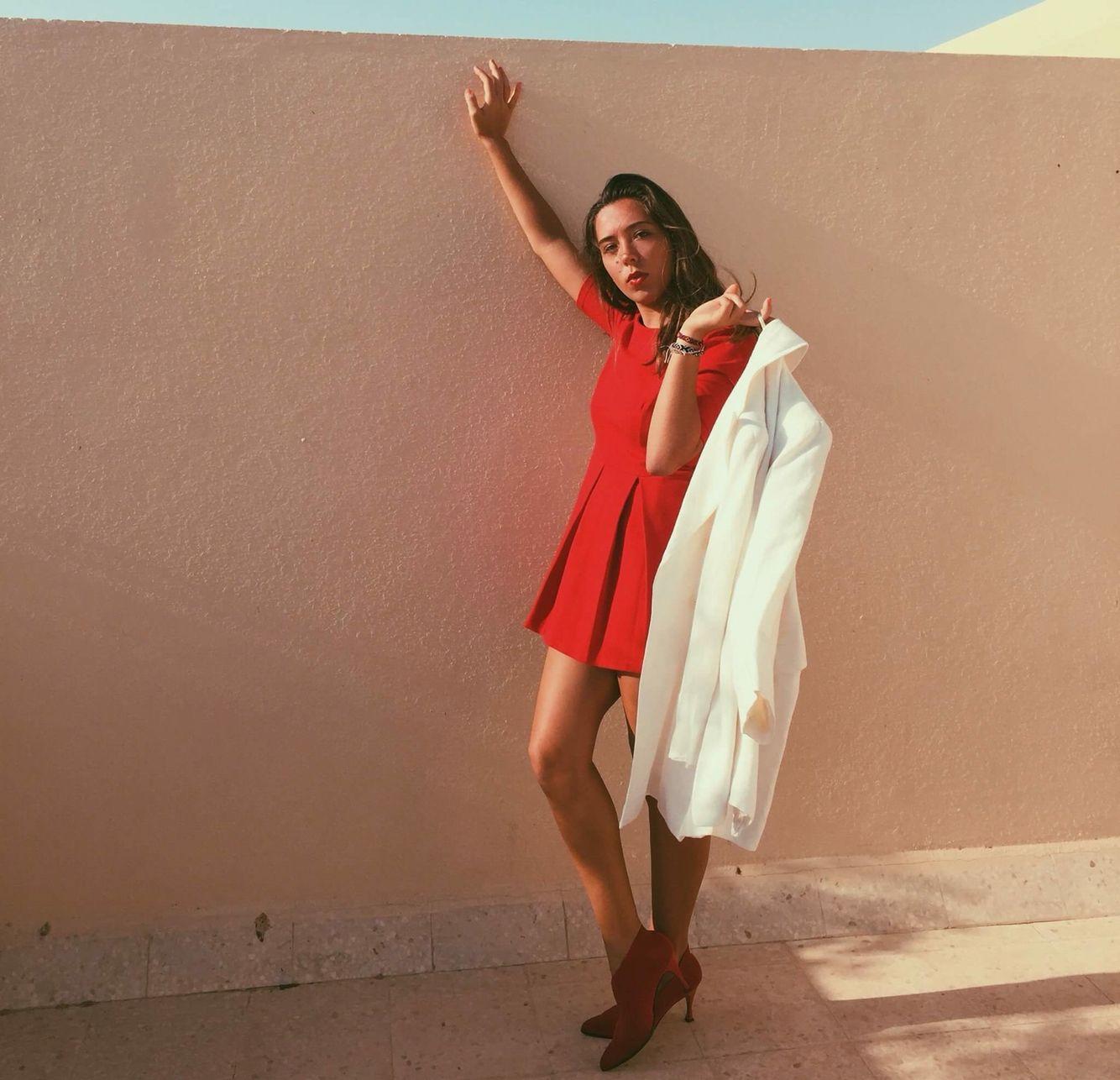 Zara dress betty jackson coat red lips heels niedsano look