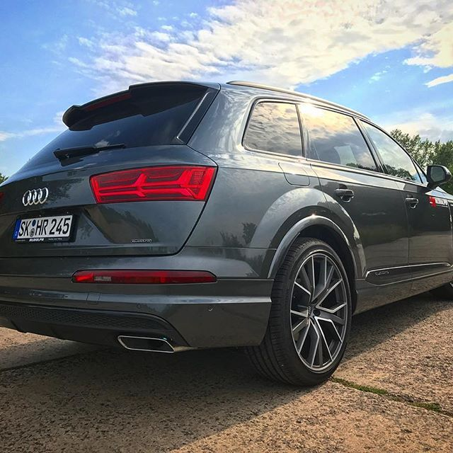 Audi Q7 Diesel: #Audi#Q7#quattro#Matrix#LED#Ingolstadt#SQ7#22Zoll#Diesel