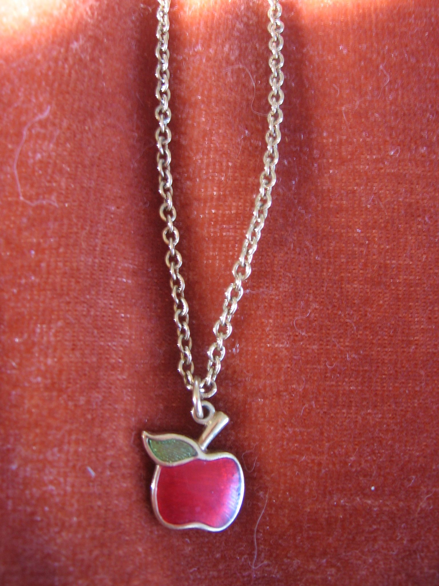1439c390389ce Vintage Goldtone Enamel Avon Apple Necklace - I had this along with ...
