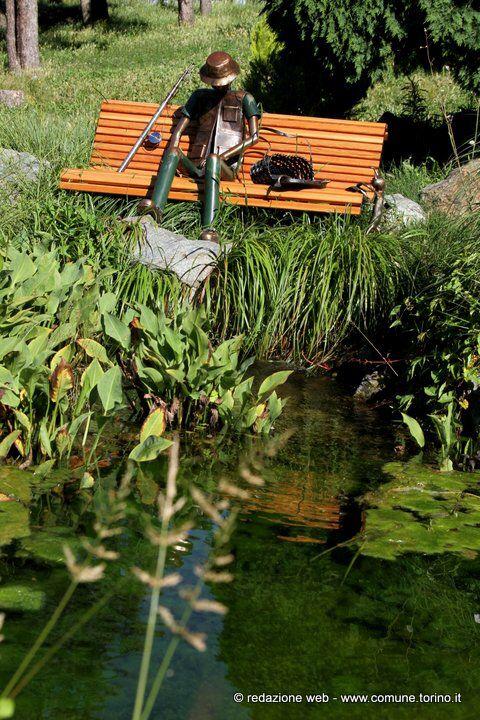 Splendido Lavoro Del Giardiniere Artista Poeta Della Citta Di Torino Sito Presso Il Giardino Roccioso Nel Parco Del Valentino Outdoor Park Outdoor Decor