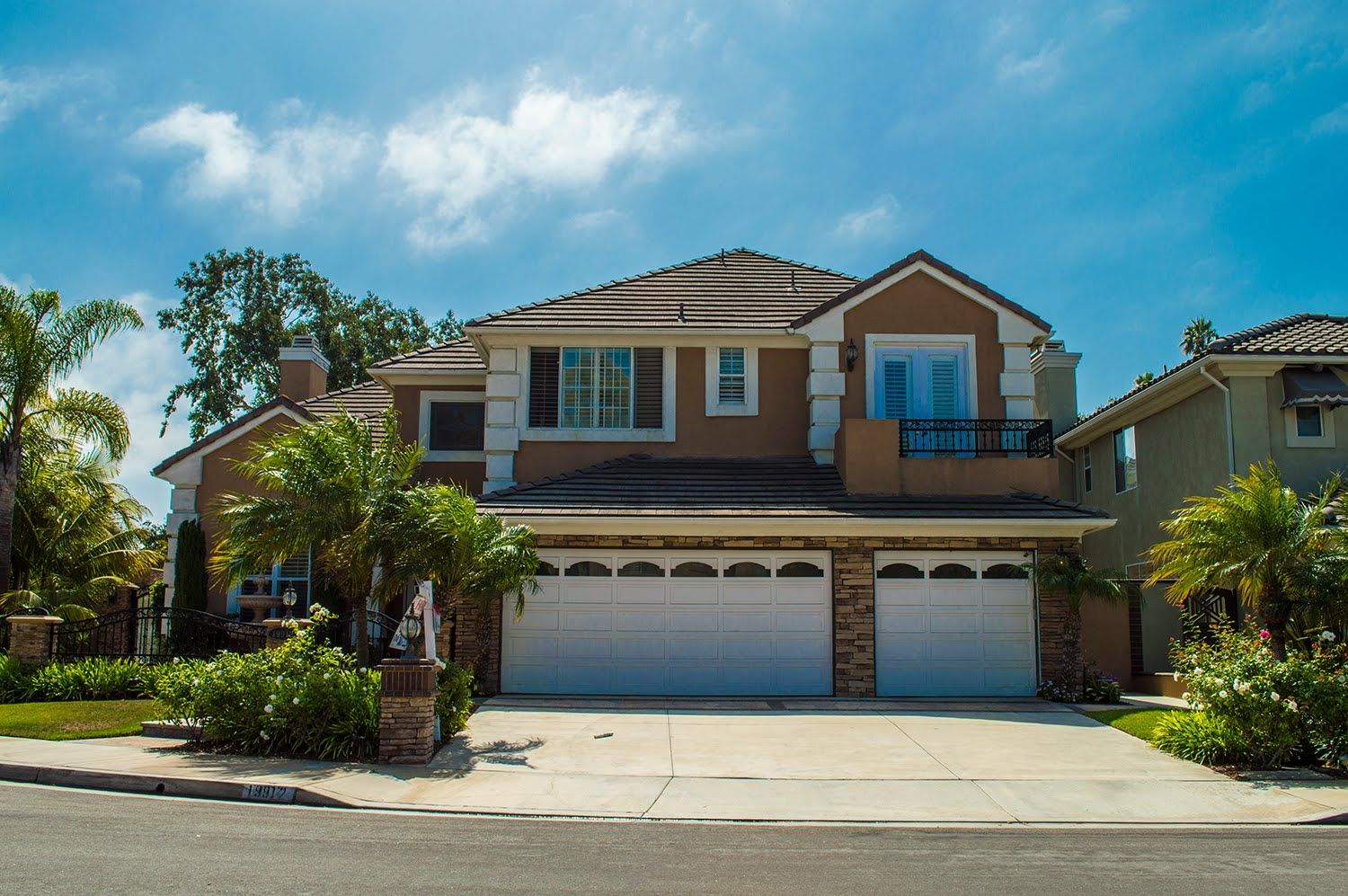 19912 Newfoundland Circle Huntington Beach CA 92648 - Contact Kallie Knutsen to set up a custom listing search for yourself!