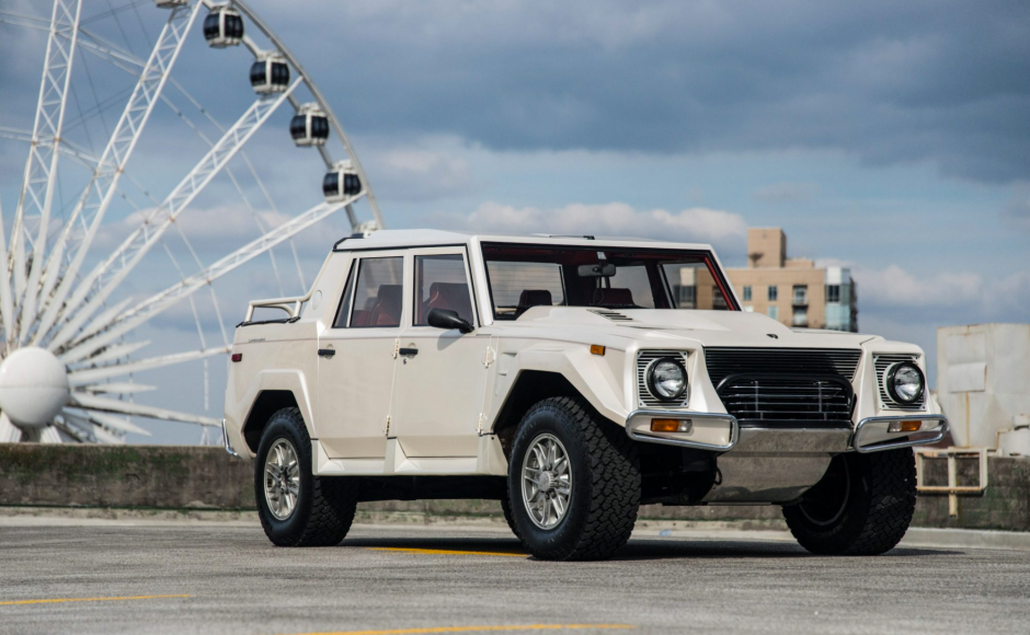 This Lamborghini Suv Makes The Hummer Look Like A Toy Lamborghini Dream Cars Lamborghini Suv