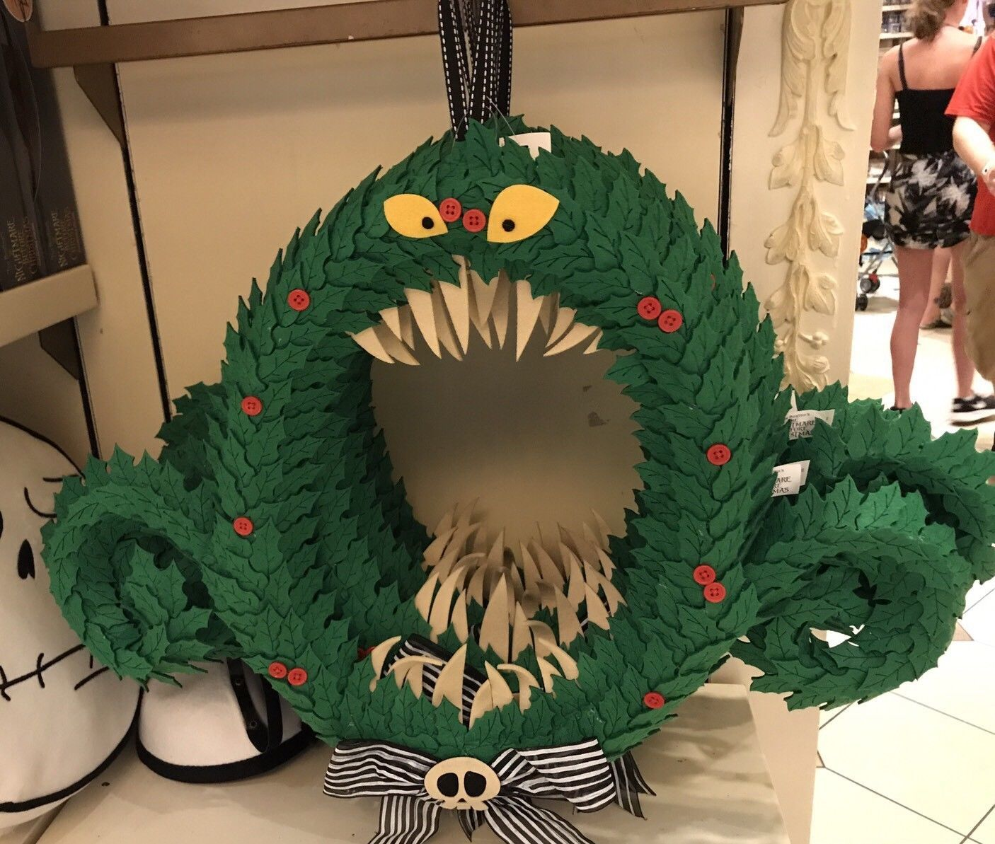 59 99 disney parks nightmare before christmas haunted wreath rh pinterest com