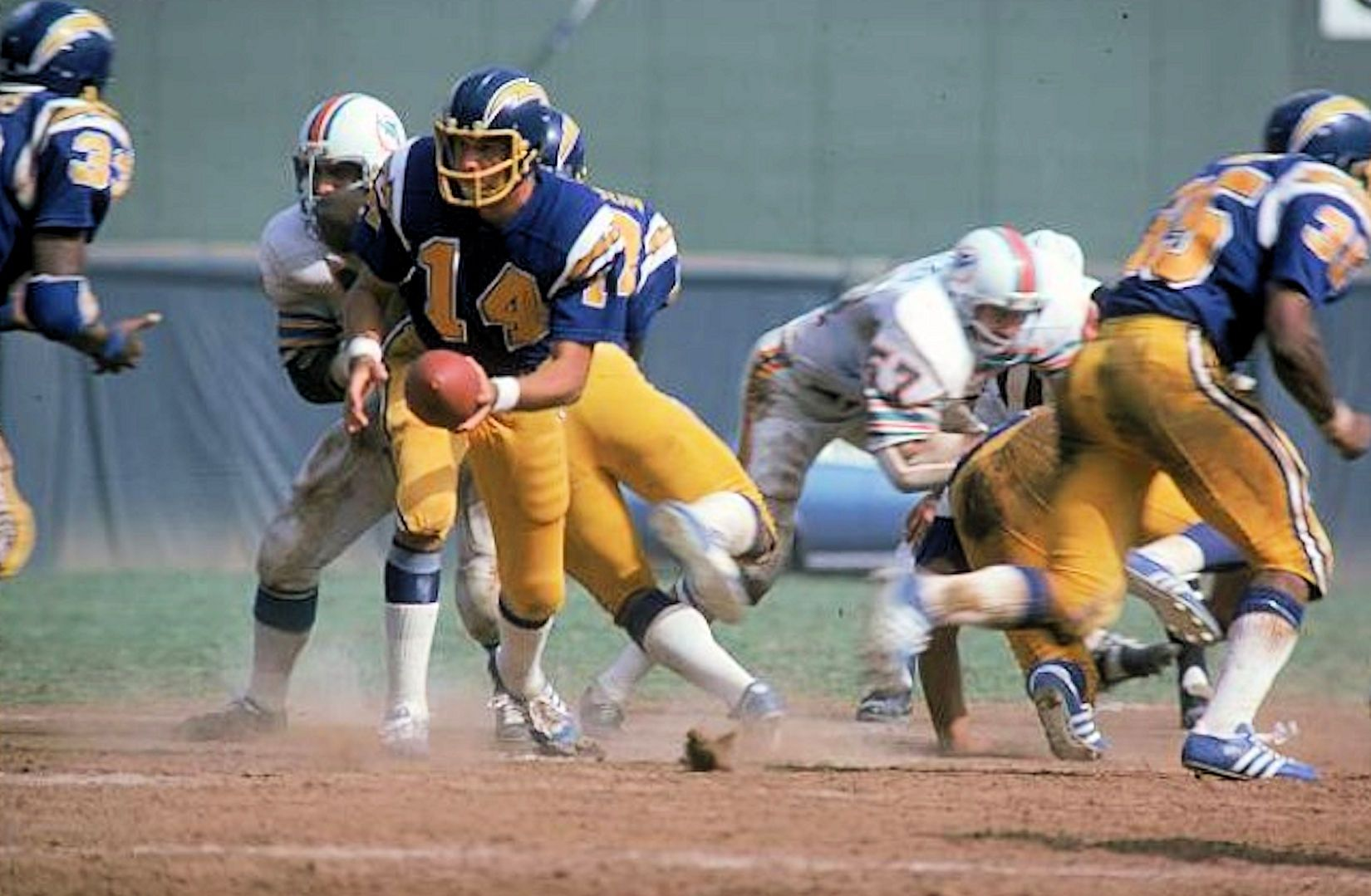 1974 Miami at San Diego Nfl football, Football helmets
