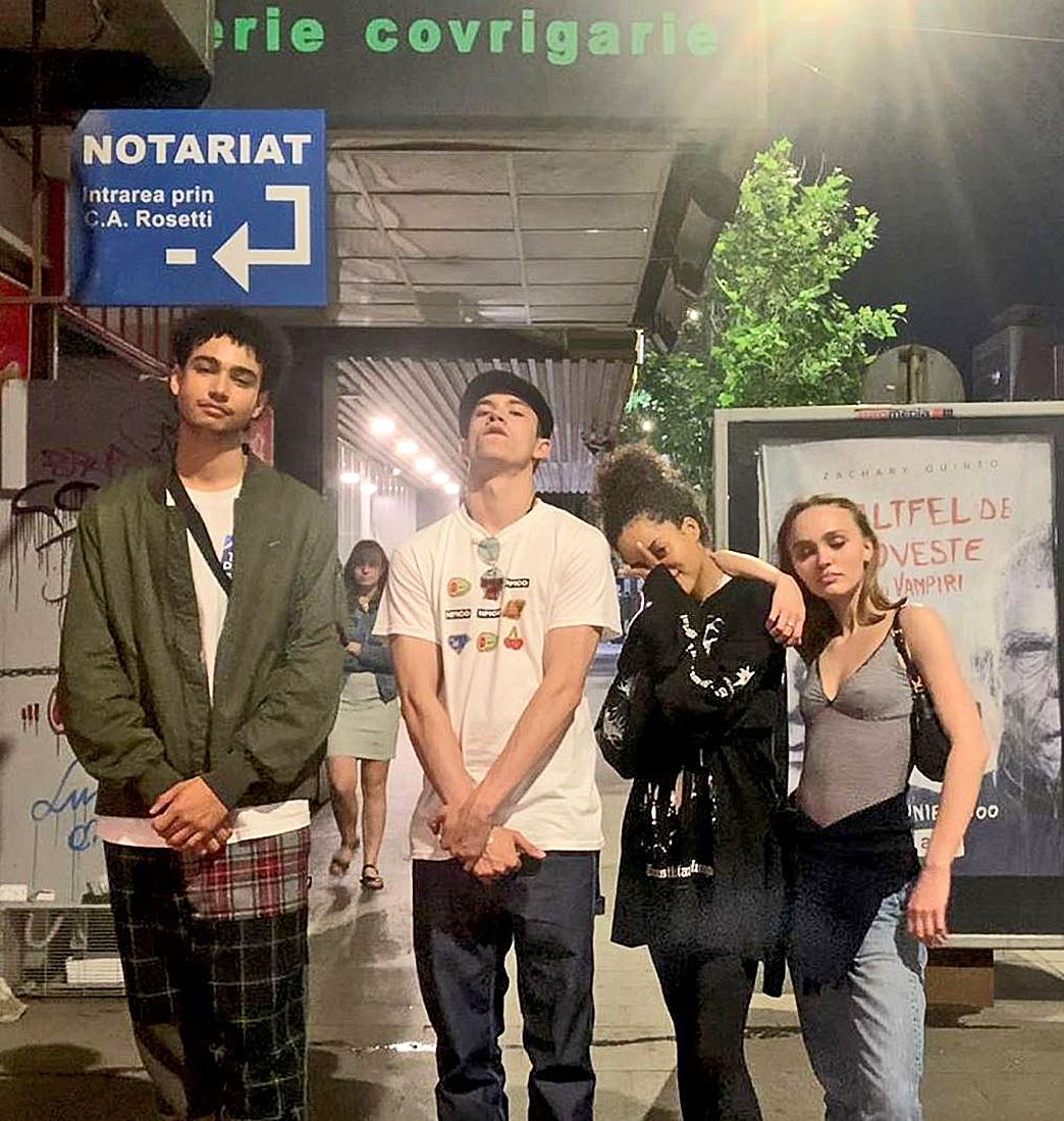Lily With Actress Quintessa Swindell And The Actors Archie Madekwe And Archie Renaux In Bucharest For The Movi Lily Rose Lily Rose Melody Depp Lily Rose Depp