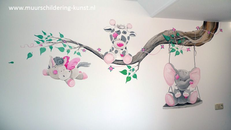 Mooi Nijntje Babykamer : Een mooie muurschildering blue nose friends maakt je babykamer