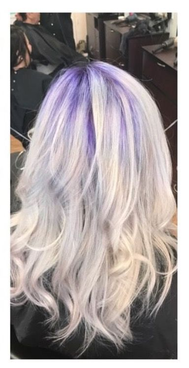 Purple Shadow Root And While Blonde Hair Oasisbeautybar Blonde Hair With Roots Blonde Hair Red Lipstick Honey Blonde Hair