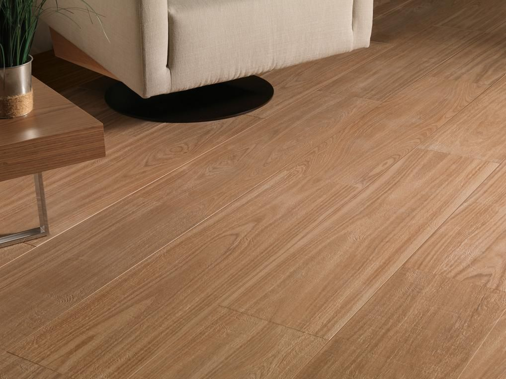 Fotos de pisos ceramicos simil madera buscar con google for Pisos ceramicos