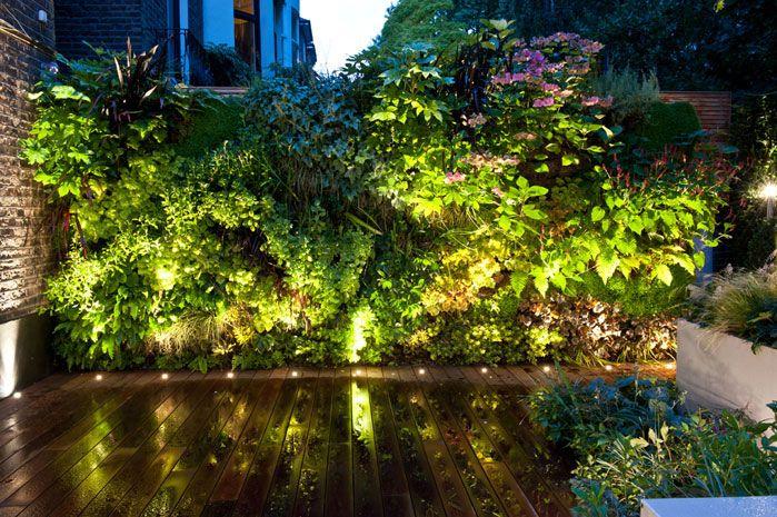 Pin de ☐ phlâneur ☐ en garden ☐ green wall Pinterest - iluminacion jardin