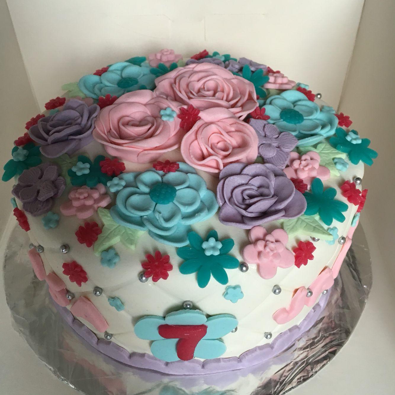 Vlinder en bloemen taart met bijpassend meptaartje   Taart