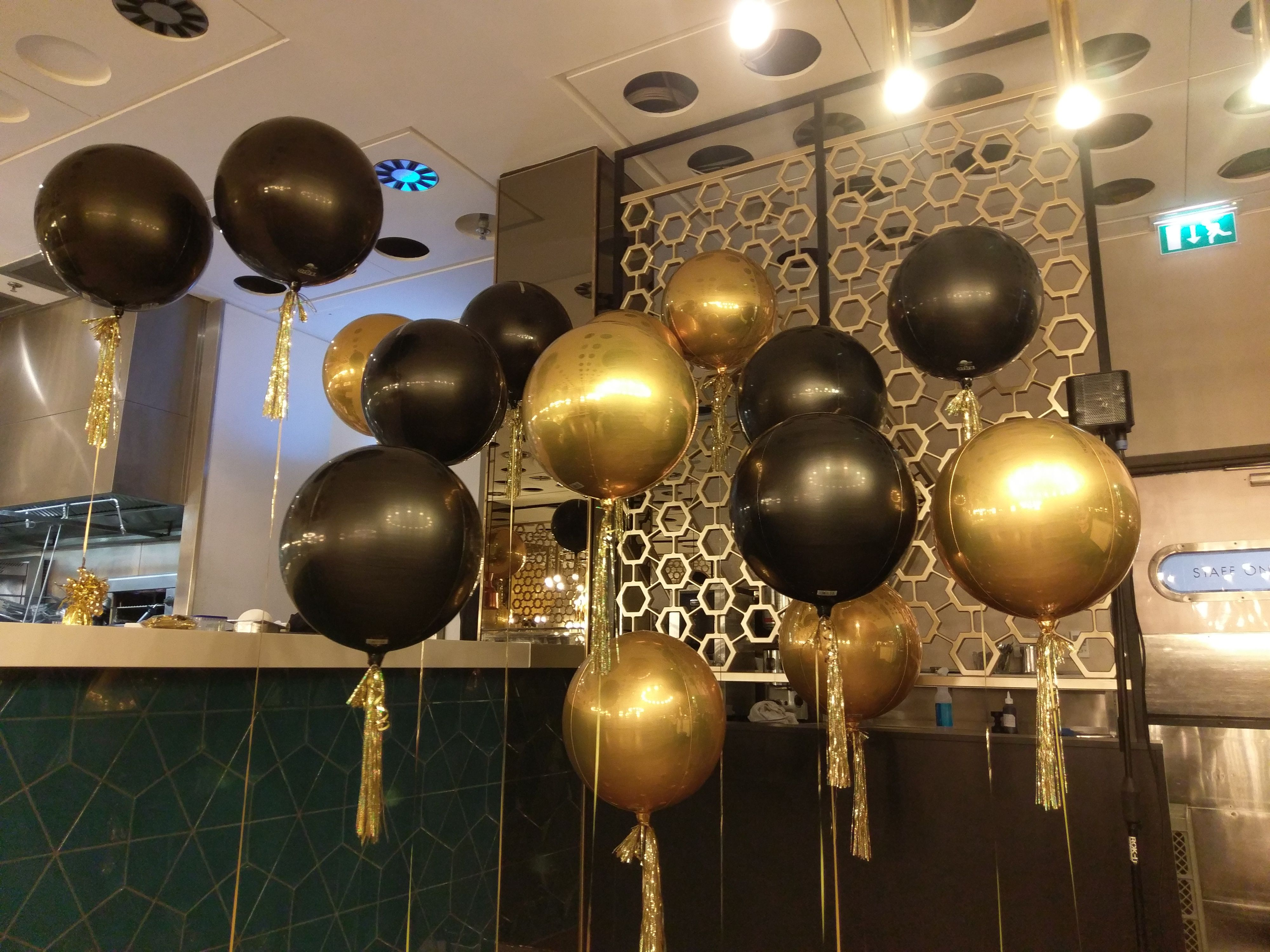 Solid Colour Ball Balloons Black Gold With Tassles Balloons