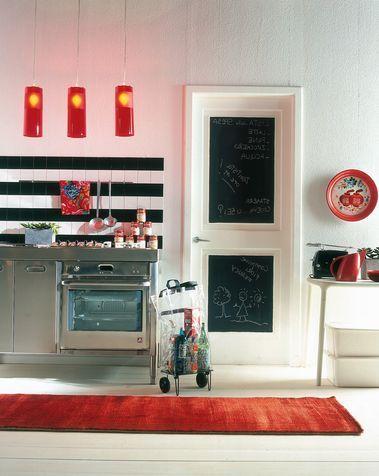 Arredo cucina fai da te porta con lavagna idee per la for Decorazioni cucina fai da te