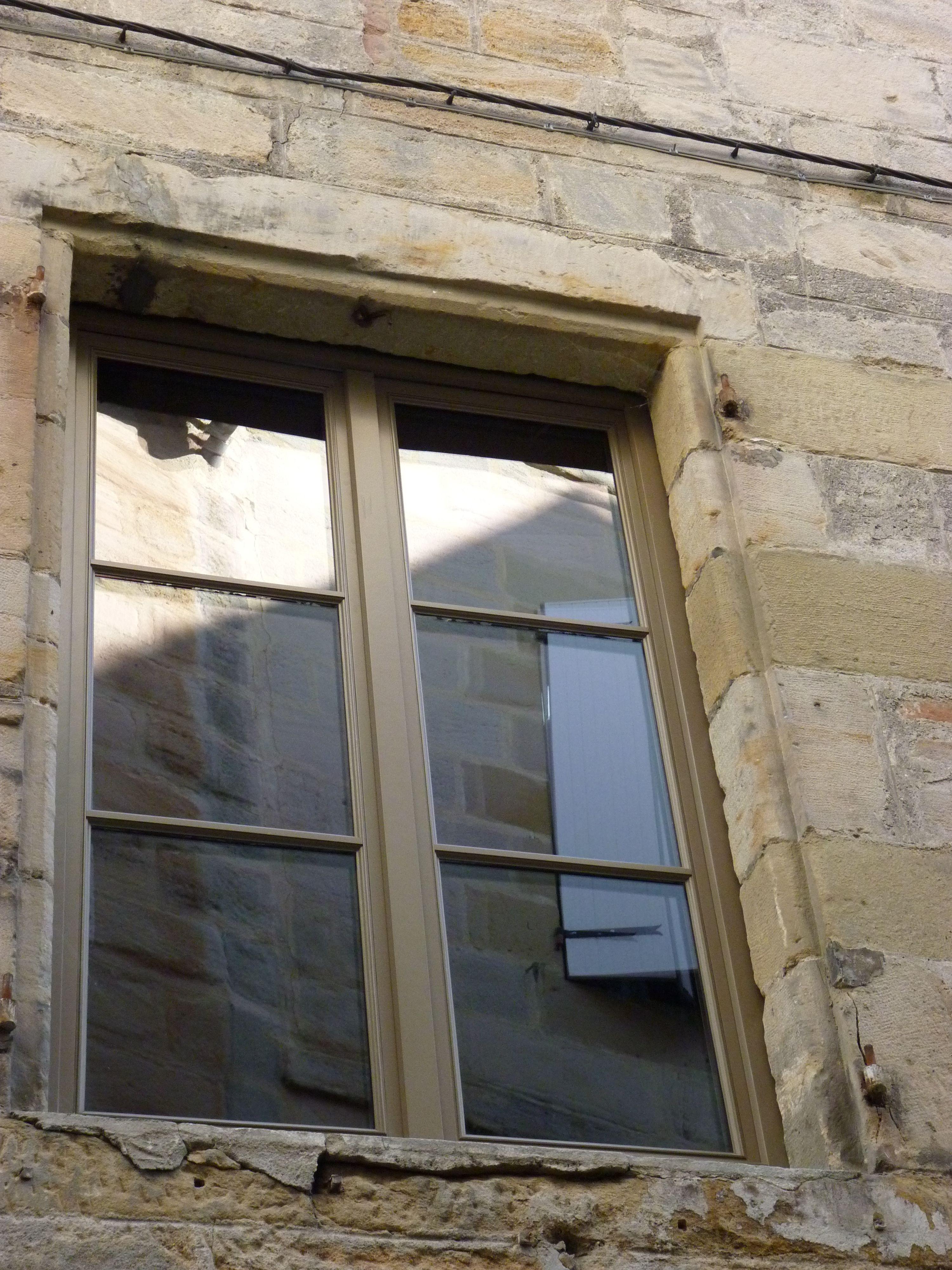 Peindre Fenetre Pvc En Gris croisée 2 vantaux, finition peinture ral 7006 gris beige