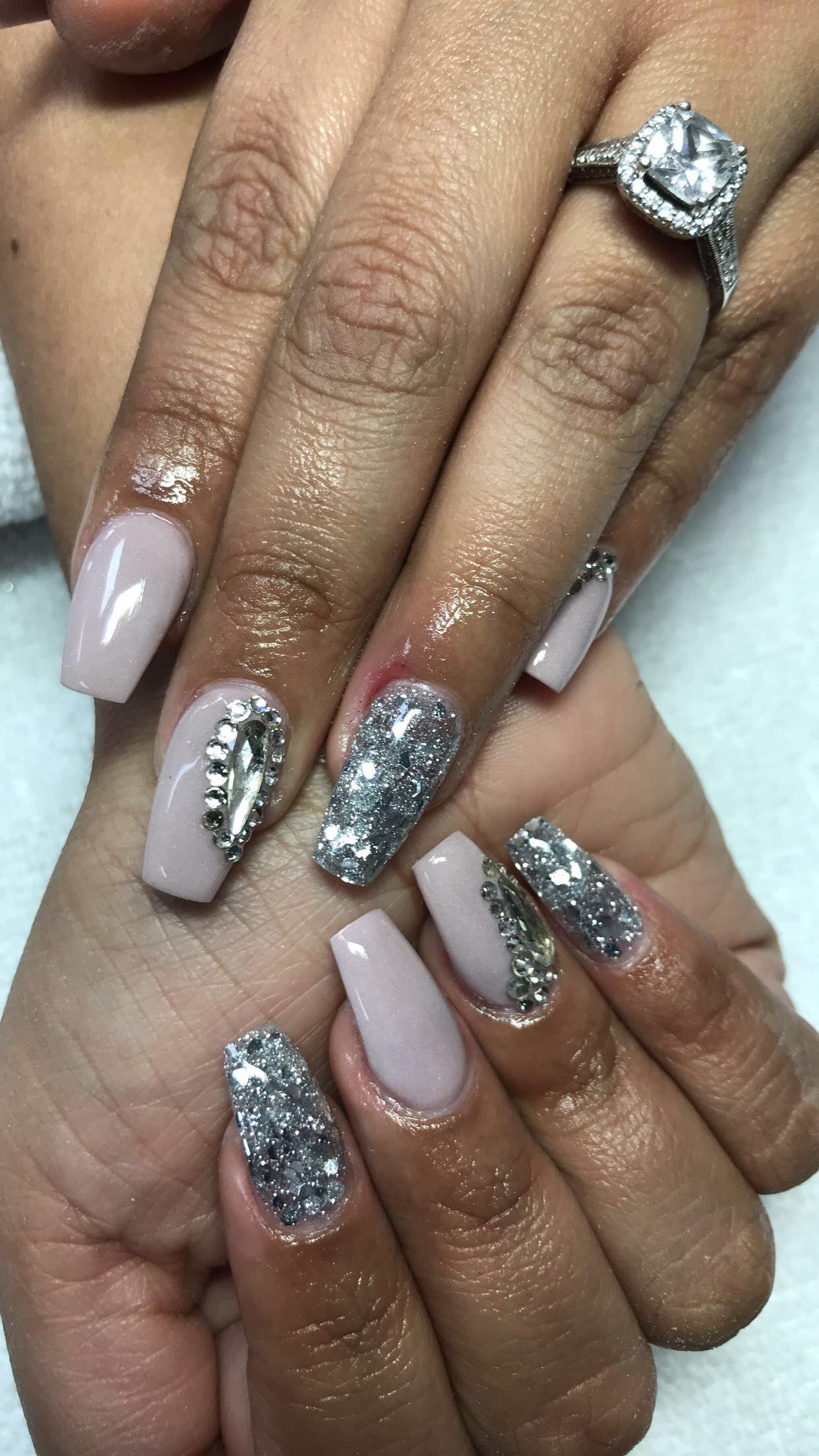 Pin by Johnny Nguyen on Diva nails & Spa # 1 | Diva nails, Nail spa ...