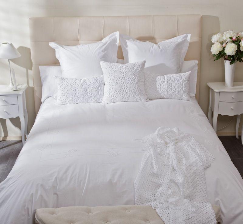 Dormitorio rom ntico ropa de cama en blanco vamos a la - Dormitorios vintage blanco ...