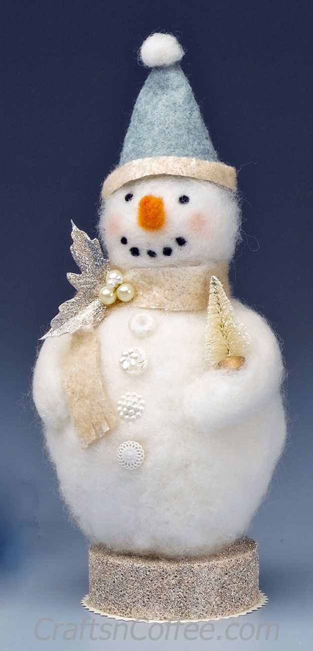This is a keepsake craft! DIY this needle-felted, Soft & Pearly Snowman on CraftsnCoffee.com.