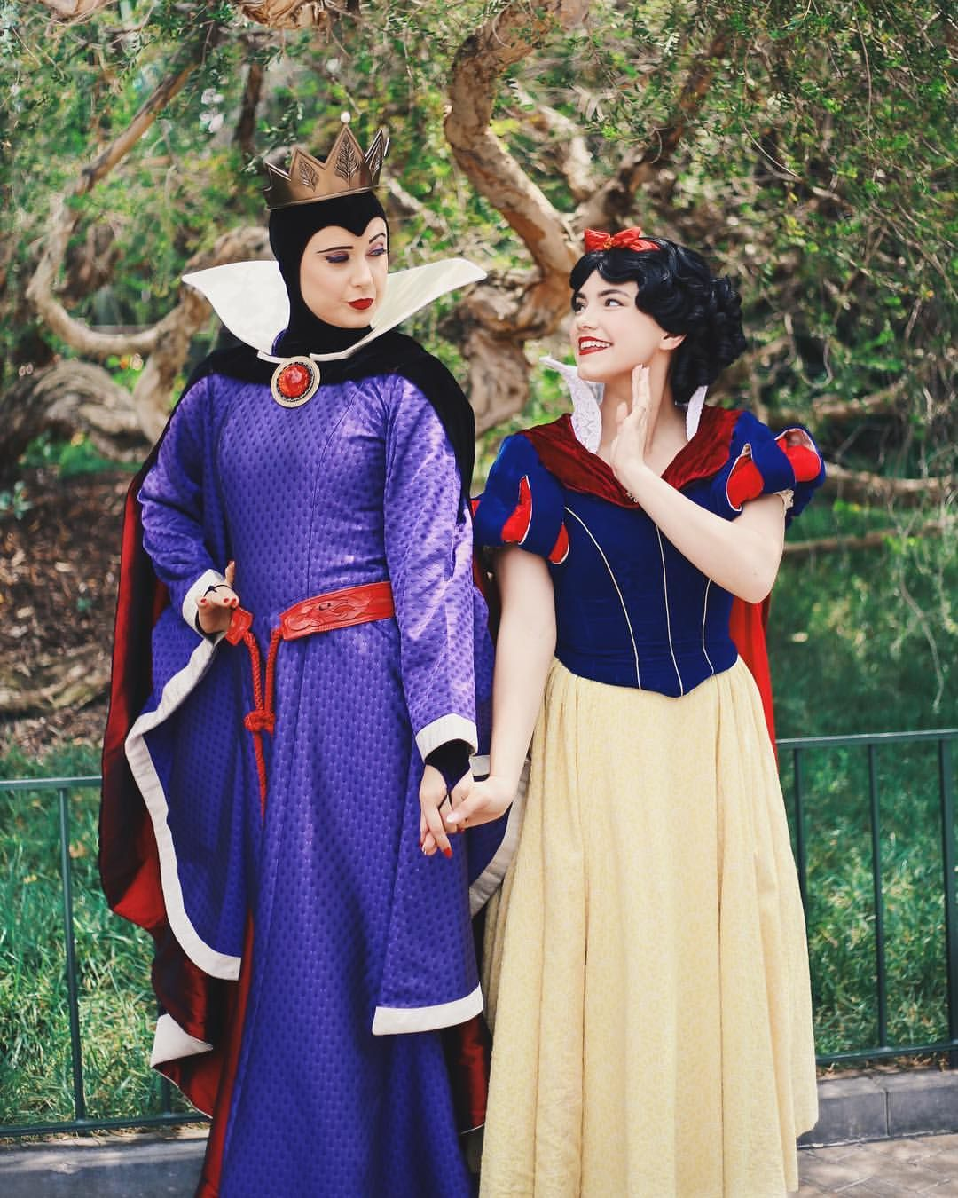 snow white and the evil queen (With images)   Disney ... Disney Evil Queen Snow White