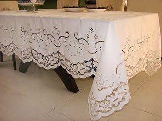 Resultado de imagem para toalhas de mesa bordadas a maquina