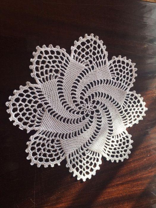 Pin von LLayla Araujo auf Croche - Toalhinha   Pinterest   Häkeln ...