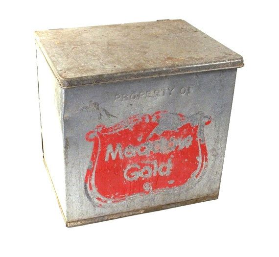 vintage meadow gold milk company insulated galvanized metal milk delivery porch box cooler. Black Bedroom Furniture Sets. Home Design Ideas