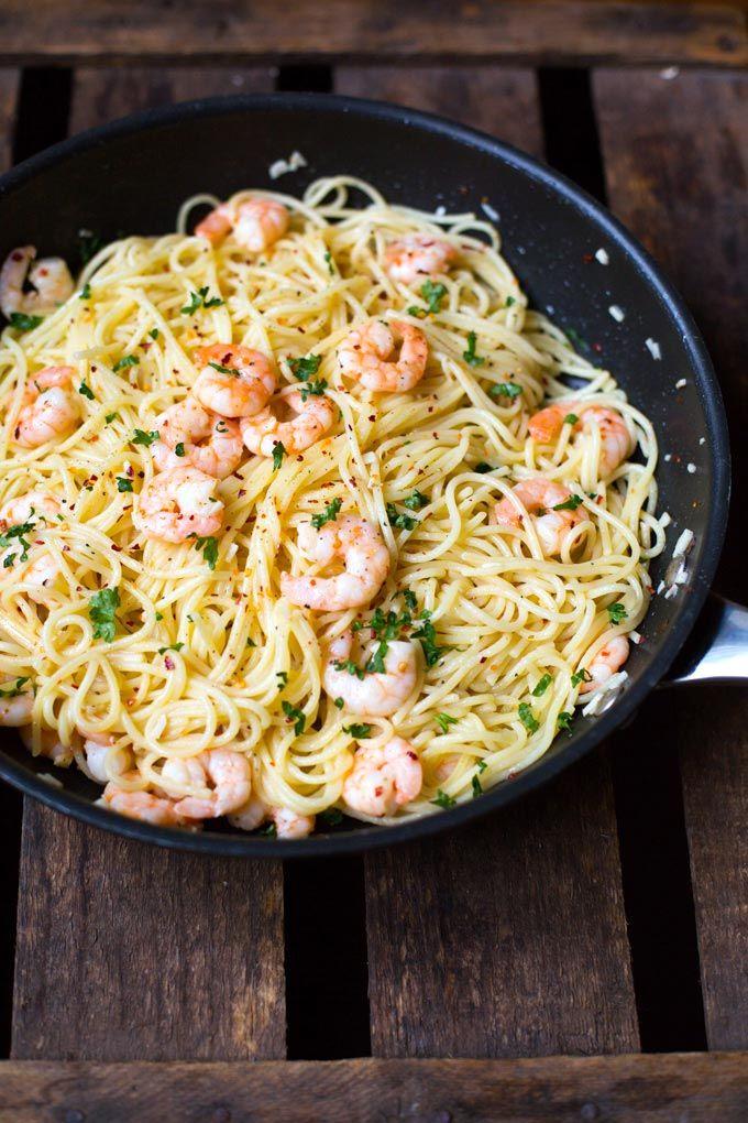 20-Minuten Scampi Pasta mit Weißwein und Zitrone - Kochkarussell #recipesforshrimp