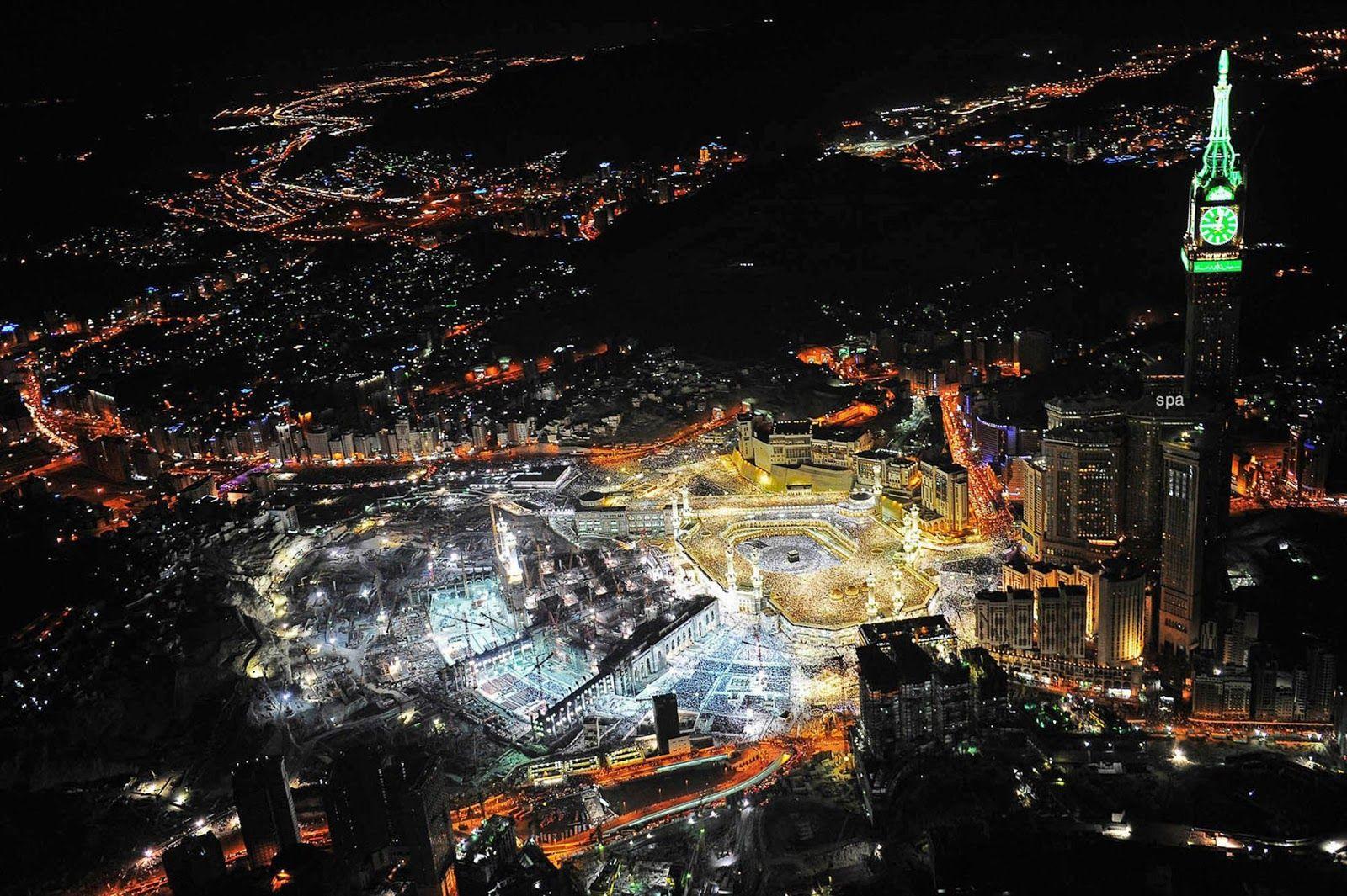 Night View Of Mecca In Saudi Arabia Desktop Backgrounds For Free Hd Wallpaper Pemandangan Malam Kota