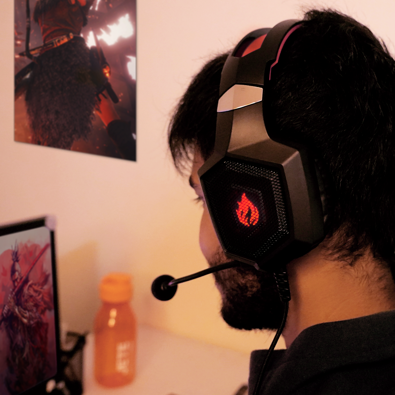 Gamers Mana Suaranya Nih Buat Kalian Gamers Sejati Pasti Memerlukan Konsentrasi Saat Bermain Kan Gaming Headset G2 Dilengkapi Headset Mikrofon Headphone