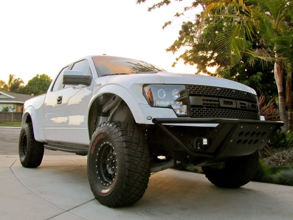 Ford raptor forum ford svt raptor forums this truck has the top perch mod but it has the illusion the front is sitting really high