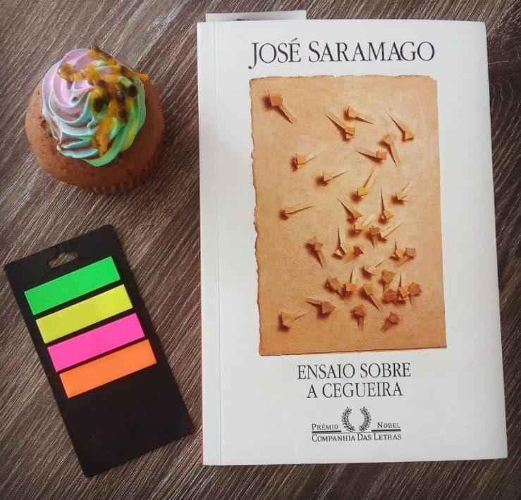 45 Livros Que Todo Mundo Com 20 E Poucos Anos Deveria Ler Ensaio
