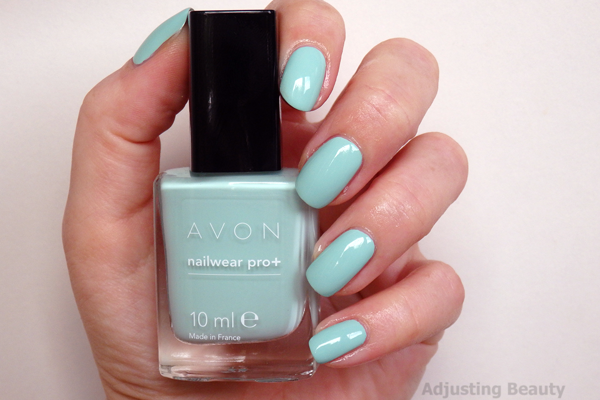 Review of Avon Nailwear Pro+ Nail Polish in Minty