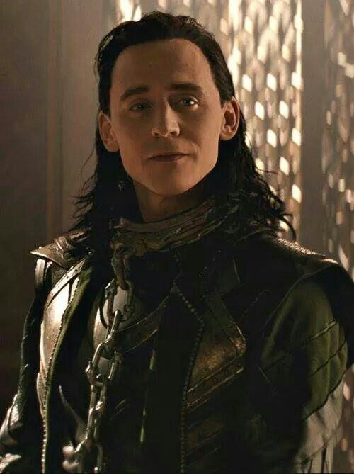 foto de Pin de Paola Urosa en LOKI ️ Asgard Tom hiddleston