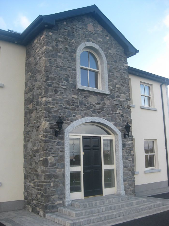 Stone with cream windows new house in 2019 stone - Stone cladding on exterior walls ...
