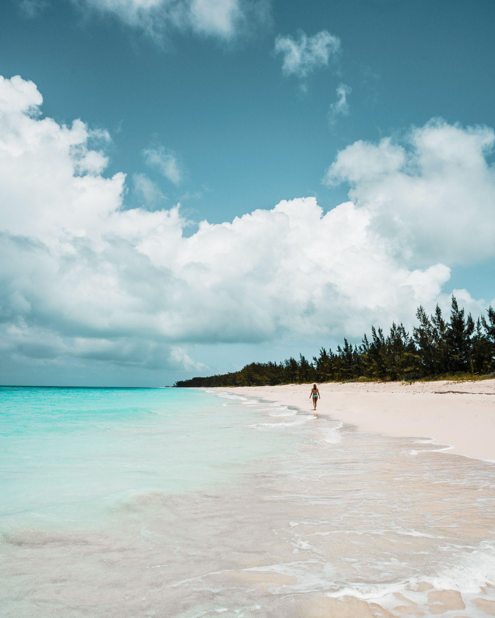 Bahamas Beach: The Complete Nassau, Bahamas Travel Guide
