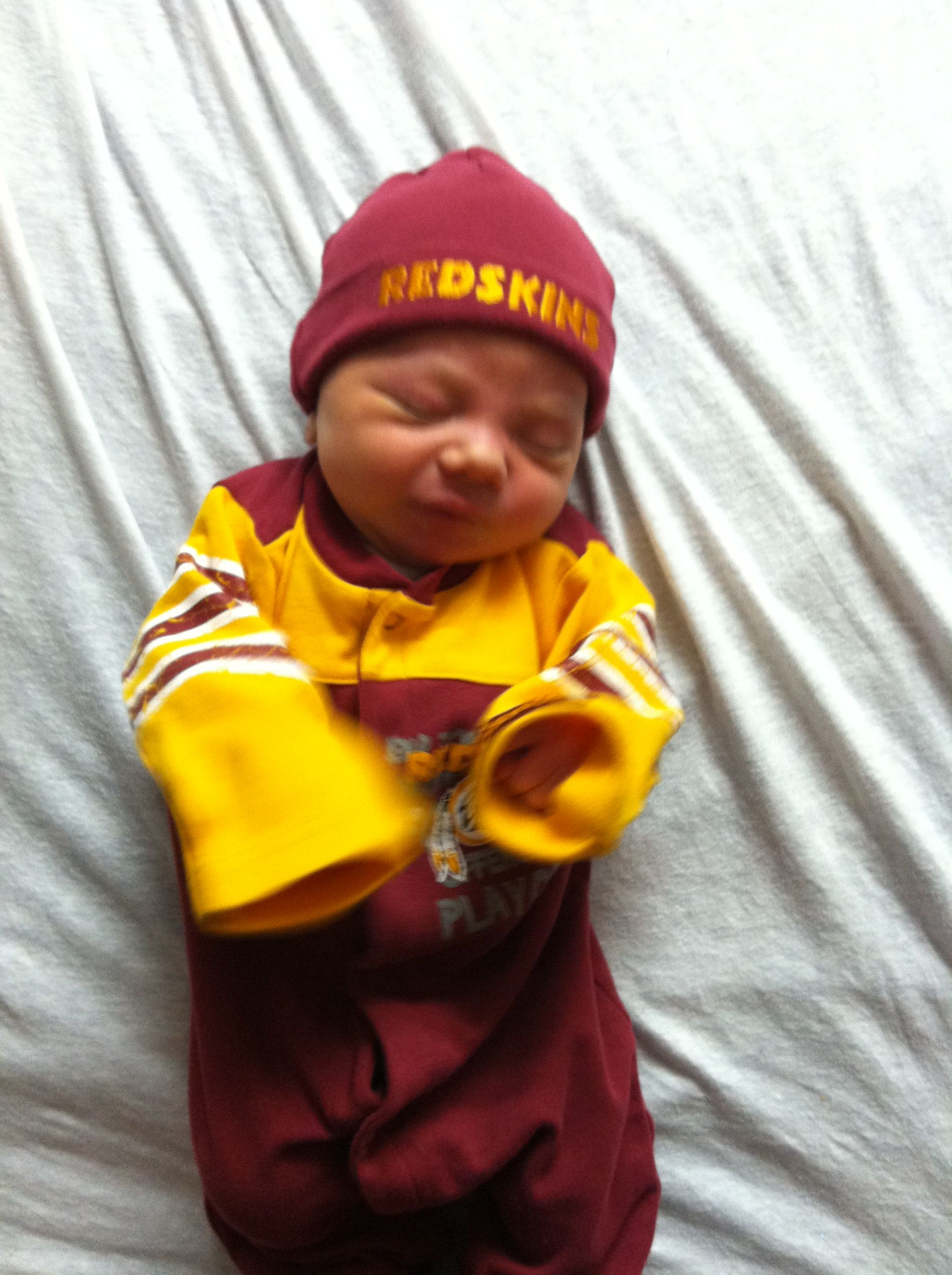 Redskins baby 3 days old 9f3a91c4f