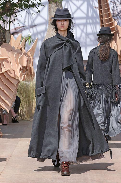 b60e40915934 DIOR  Sfilata Haute Couture Autunno-Inverno 2017-18