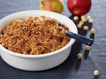 Her sidst på vinteren er der stadig danske madæbler med smag og kraft, med nødder og havregryn får æblerne et dejligt sprødt låg